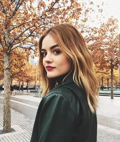Lucy Hale Debuts Perfect Amber Hair – & Here's Exactly How to Copy It - Beauty Amber Hair, Corte Y Color, Hair Again, Golden Blonde, Blonde Highlights, Color Highlights, Blonde Balayage, Celebrity Hairstyles, Pretty Little Liars