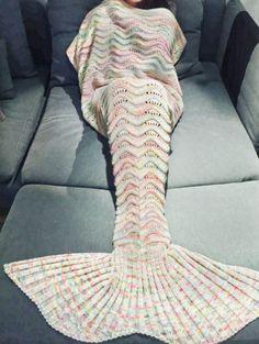 Knit Mermaid Tail Blanket Meerjungfrau Decke für Kinder und Erwachsene Sofadecke Kuscheldecke Mermaid tail blanket by MERMAIDFOREVERR on Etsy https://www.etsy.com/sg-en/listing/453307318/knit-mermaid-tail-blanket-meerjungfrau