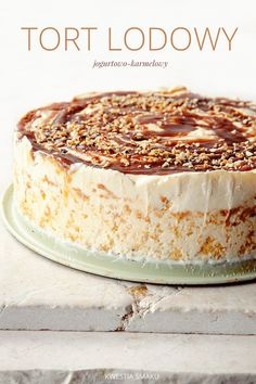 Tort lodowy jogurtowo-karmelowy | Kwestia Smaku Frozen Cake, Frozen Desserts, Cookie Desserts, Polish Desserts, Cakes And More, Vanilla Cake, Cupcake Cakes, Cupcakes, Food Porn