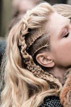 Lagertha side view