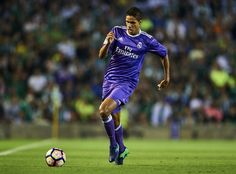 Raphael Varane of Real Madrid CF in action during the match between Real Betis Balompie and Real Madrid CF as part of La Liga at Benito Villamrin stadium October 15, 2016 in Seville, Spain. (Oct. 14, 2016 - Source: Aitor Alcalde/Getty Images Europe)
