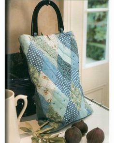 25 patchwork purses, totes, and bags. DIY tutorial. Diamond-patch tote. Сумки, косметички, кошельки в технике квилтинг