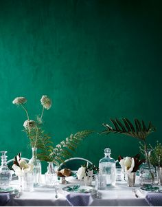 Wall color in green color ideas wall decoration table food Pantone Verde, Emerald Green Weddings, Emerald Green Rooms, Emerald Colour, Jade Green Color, Emerald City, Lush Green, New Blue, Color Of The Year