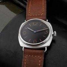 Montre Radiomir 1940 de Panerai chez Harrods à Londres http://www.vogue.fr/vogue-hommes/montres/diaporama/les-montres-vintage-panerai-s-exposent-chez-harrod-s-a-londres/20138#!montre-radiomir-1940-de-panerai-harrods-londres