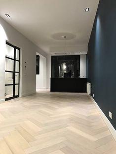 Condo Living Room, Home And Living, Modern Interior Design, Interior Design Inspiration, Planchers En Chevrons, Floor Design, House Design, Home Fashion, Design Case
