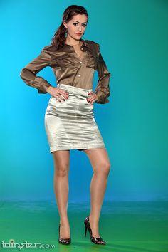 Sexy Blouse, Blouse And Skirt, Stilettos, High Heels, Satin Pencil Skirt, Satin Bluse, Brigitte Bardot, Dress And Heels, Girls Wear