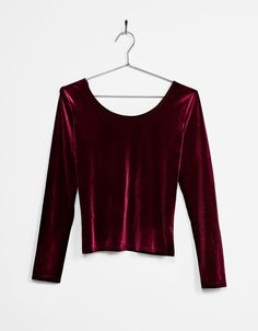 Velvet top. Discover this and many more items in Bershka with new products every week