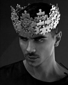 Man with a crown, Homme avec une couronne