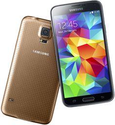 Samsung Galaxy S5 dorado. Tiene sistema operativo Android Kit Kat.