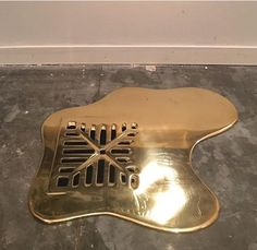 Liquid Gold Drains Are The Coolest Home Accessory Out There—No Exaggeration - Decoration Fireplace Garden art ideas Home accessories Home Interior, Interior And Exterior, Interior Decorating, Interior Design, Decoration Inspiration, Interior Inspiration, Interior Ideas, Decor Ideas, Home Decor Accessories