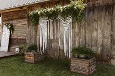 Łuk ozdobiony kwiatami i piękną makramą Arch, Outdoor Structures, Boho, Garden, Wedding, Valentines Day Weddings, Longbow, Garten, Lawn And Garden