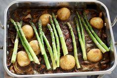 Kjøtt, poteter, grønnsaker, asparges, saus, ovnsbakt, entrecote, alt-i-ett, glutenfri, melkefri, paleo Asparagus, Green Beans, Gluten, Vegetables, Food, Studs, Essen, Vegetable Recipes, Meals