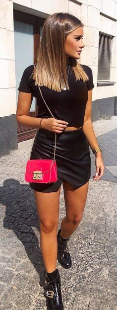 #fall #outfits black crop top and miniskirt. Summer Looks, Leather Skirt, Summer Outfits, Mini Skirts, Leather Skirts, Summer Fashions, Summer Wear, Summer Clothes, Mini Skirt
