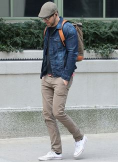 20 Best Mens Jeans Styles Ideas To Try Now - Men Jeans - Ideas of Men Jeans - On the current fashion scene mens jeans have become far more diverse in terms of the styles that they come in. The different designs and brands are s Chinos Men Outfit, Men Shorts, Stylish Men, Men Casual, Casual Suit, Casual Jeans, Denim Jacket Men, Men's Denim, Denim Jackets