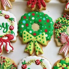 How to Decorate Four Christmas Wreaths – The Flour Box Christmas Sugar Cookies, Christmas Desserts, Holiday Treats, Christmas Treats, Candy Cane Cookies, Fancy Cookies, Christophe Felder, Filled Cookies, Decorated Cookies