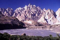 """KarakoramRange.jpg 505×340 pixels  Cordilleras if kArakoram """"black mountains"""" - (Hindu Kush seemed tame)"""