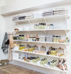 Effective #display use of these wooden shelves...#benchsystems