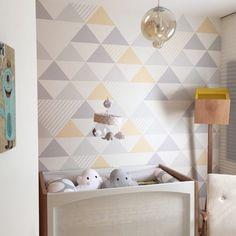 Um sonho esse quarto . Papel de parede e kit berço #uauababy #uauábaby móveis @ameisedesign