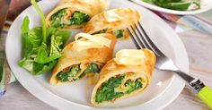 Recette de Roulés légers feta et épinards en tortilla de maïs. Facile et rapide à réaliser, goûteuse et diététique.