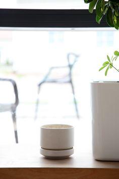 Flower pot, model SN, Arabia, Richard Lindh Design, 1964. Plant Pots, Potted Plants, Flower Pots, Glass Of Milk, Planters, Decor Ideas, Ceramics, Tableware, Ethnic Recipes