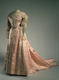 Alexandra Feodorovna, Royal Clothing, Antique Clothing, Historical Clothing, Pink Evening Dress, Evening Dresses, Alexandra Clothing, Vintage Gowns, Vintage Outfits