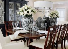 So Elegant And Dramaticblack White And Gold Dining Room  Share Glamorous Black And White Dining Room Design Decoration
