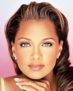 Vanessa Williams - the most controversial Miss America with beauty, brains and incredible talent