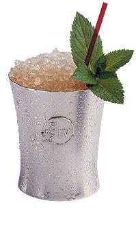 The Maker's Mark #MintJulep made with #bourbon, #mint, simple syrup & a sprinkle of powdered sugar. Let the races begin!