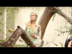Fashion Photo Shoot: Behind the scenes with photographer Joan Allen - YouTube