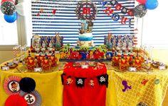 pirate birthday dessert table background - Buscar con Google