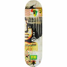 Take your skate style to another level of righteousness like a true rasta with the Superior Irie Love 8.25