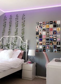 a photo wall and leaves on the wall Indie Room Decor, Cute Bedroom Decor, Bedroom Decor For Teen Girls, Teen Room Decor, Aesthetic Room Decor, Room Ideas Bedroom, Girl Bedrooms, Bedroom Inspo, Neon Room
