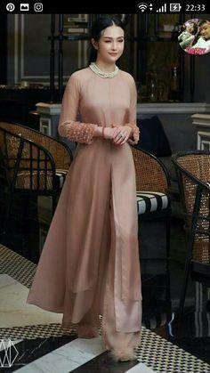 New dress hijab long fashion styles 55 ideas Trendy Dresses, Simple Dresses, Nice Dresses, Casual Dresses, Vietnamese Traditional Dress, Vietnamese Dress, Traditional Fashion, Traditional Dresses, Modest Fashion