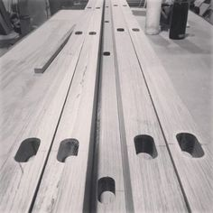 Inspiring Ideas for Woodworking - Looking for some inspiration for your woodworking shop? These workshops range from small to large, all of them full of ideas you can use in your shop. #woodworking #wood #furniture #freecycleusa Easy Woodworking Ideas, Woodworking Inspiration, Woodworking Wood, Make Easy Money, How To Make, Woodworking Industry, Wood Furniture, Wood Crafts, Make It Simple