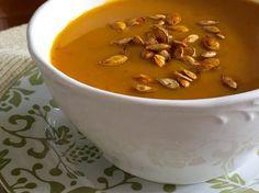 roasted squash soup + spiicy-sweet seeds: super easy vegan recipe #pkway #soup #vegan #vegetarian #cooking #recipe #recipeoftheday #ontheblog #healthyfood #healthyeating #delish #yummy #nom pknewby.com