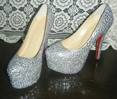 Diamond shoes with high hel Best Bridal Shoes, Diamond Shoes, Dressy Shoes, Pumps, Christian Louboutin, High Heels, Crystals, My Style, How To Wear