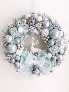 Chistmas Wreath Silver Light Mint Winter Decor Front Door Wreath Chistmad Decoration Luxury Winter Wreath New Year Gift Gold Christmas Decorations, Christmas Candles, Christmas Crafts, Winter Christmas, Elegant Christmas, Christmas Ornaments, Holiday Decor, Merry Christmas Hd Images, Merry Christmas Wallpaper
