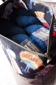 Cascade 220 Heathers for the Pumpkin Ale by Ysolda Teague in a RGOriginals project bag