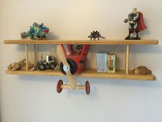 DIY Biplane Wall Shelf – DIY projects for everyone! Toy Shelves, Wall Shelves, Shelving, Woodworking Furniture, Kids Furniture, Woodworking Projects, Wood Shop Projects, Diy Projects, Airplane Decor