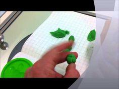 """Esercizio di coordinazione fine delle dita con il """"Didò-Pongo"""""""