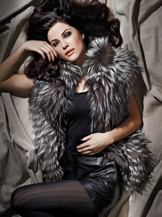 AFM Fashion: Fur Jacket.