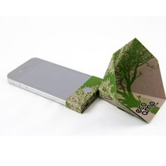 Eco-Amp iPhone Amplifier - Tree (Green). Was $34.00, Now $9.00