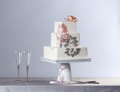 Modern pink and grey floral cake  Photography by Revert Imaging