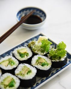 """335 Likes, 3 Comments - Erina 🌱 (@vegan_gohan) on Instagram: """"Lunch was sushi. Lettuce, avocado, alfalfa sprouts, and Japanese seaweed salad. お昼はお寿司でした。…"""""""