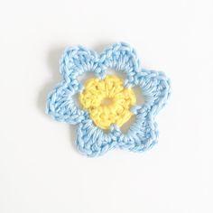 Super Simply Crochet Flower Pattern   AllFreeCrochet.com