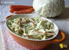 Coleslaw - insalata di cavolo (ricetta americana). Ricetta della insalata di cavolo e carote americana, da mettere nell'hamburger o con carne alla griglia