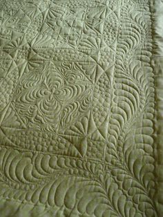 Oh, how I love a whole cloth quilt -- Beautiful quilting!