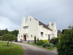 Charles Rennie Mackintosh's Hill House, for Walter Blackie. 1902-1904, Helensburgh, Scotland.