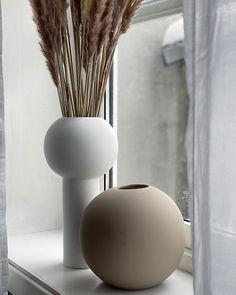 Ceramic Vase, Hair And Nails, Home Accessories, Family Room, Ceramics Ideas, House Design, Interior Design, Acacia, Bedroom