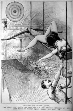 1896년, 여기는 뉴욕-매디슨 스퀘어 가든의 서커스장.....   높은 고공위에서 그네묘기가 펼쳐지는데 그것도 말로만 듣던 대포인간도 아니고 화살인간인데요~ 그런데,
